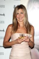 Jennifer Aniston - Londra - 21-07-2010 - Jennifer Aniston non sta per adottare un bambino