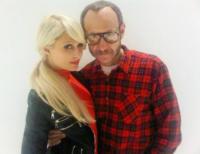 Terry Richardson, Paris Hilton - Los Angeles - 11-01-2011 - Terry Richardson, Vanity Fair fa fuori il Weinstein della moda