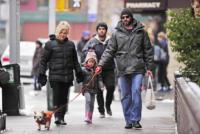 Deborra-Lee Furness, Ava Jackman, Hugh Jackman - New York - 25-01-2011 - Debora Lee Furness parla del matrimonio con Hugh Jackman