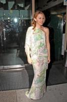 """Kylie Minogue - West Hollywood - 05-10-2009 - Kylie Minogue sta pensando a una madre surrogata, """"Dopo il cancro non posso più avere figli"""""""
