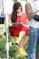 America Ferrera - Los Angeles - 27-01-2011 - Leggere, che passione! Anche le star lo fanno!