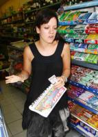 Lily Allen - Los Angeles - 27-01-2011 - Star come noi: a ogni personaggio pubblico il suo quotidiano