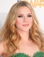 Scarlett Johansson - Universal City - 06-06-2010 - Scarlett Johansson a un concerto con Justin Long