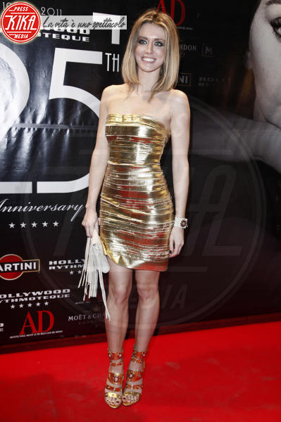Elena Barolo - Milano - 28-01-2011 - Natale e Capodanno: a ciascuna la sua forma e... il suo abito!
