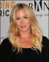 Christina Applegate - Los Angeles - 01-02-2011 - Christina Applegate e' diventata mamma di Sadie Grace