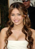 Miley Cyrus - Los Angeles - 15-12-2010 - Miley Cyrus e' arrivata al quinto tatuaggio