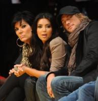 Kim Kardashian - Los Angeles - 21-11-2010 - Kim Kardashian ha fatto litigare Halle Berry e Gabriel Aubry