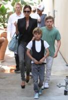 Victoria Beckham - Los Angeles - 07-02-2011 - I Beckham aspettano una bambina