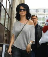Katy Perry - Londra - 18-01-2011 - Katy Perry parla a Elle della difficolta' di accettarsi