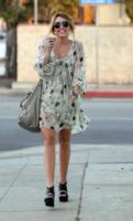 Miley Cyrus - Los Angeles - 22-09-2010 - Miley Cyrus vista con l'ex di Amy Winehouse Josh Bowman