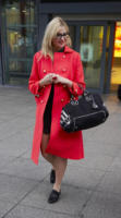 Pixie Lott - 16-02-2010 - Sarà un inverno caldo… con un cappotto rosso!