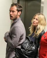 Sienna Miller, Jude Law - Londra - 03-01-2011 - Finita la relazione tra Jude Law e Sienna Miller