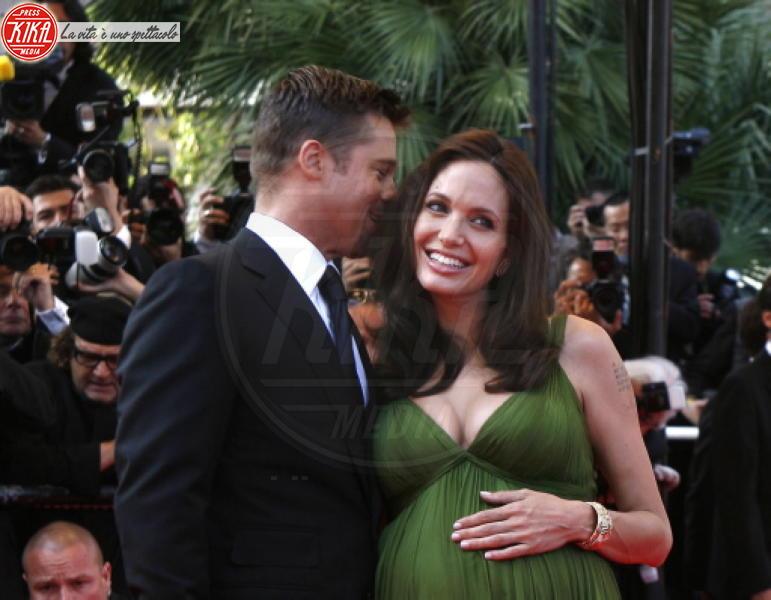 Angelina Jolie, Brad Pitt - Los Angeles - 20-12-2010 - Basta sesso Pitt-Jolie: i suoceri si trasferiscono in Francia