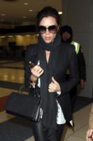 Victoria Beckham - New York - 08-02-2011 - Victoria Beckham cambia il volo per non viaggiare insieme a Katie Price