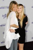 Ava Elizabeth, Heather Locklear - Los Angeles - 08-02-2011 - Heather Locklear forse in rehab