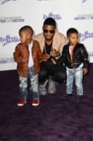 Usher - Los Angeles - 08-02-2011 - Il figlio di Usher in ospedale: ha rischiato di annegare