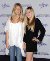 Ava Sambora, Heather Locklear - Los Angeles - 08-02-2011 - Heather Locklear ricoverata in ospedale