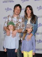 Daisy Oliver, Poppy Oliver, Juliette Norton, Jamie Oliver - Los Angeles - 08-02-2011 - Jamie Oliver acquista una villa da 10 milioni di sterline