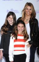 Olivia Giannulli, Isabella Giannulli, Lori Loughlin - Los Angeles - 08-02-2011 - Felicity Huffman, l'ex Casalinga Disperata finisce in manette