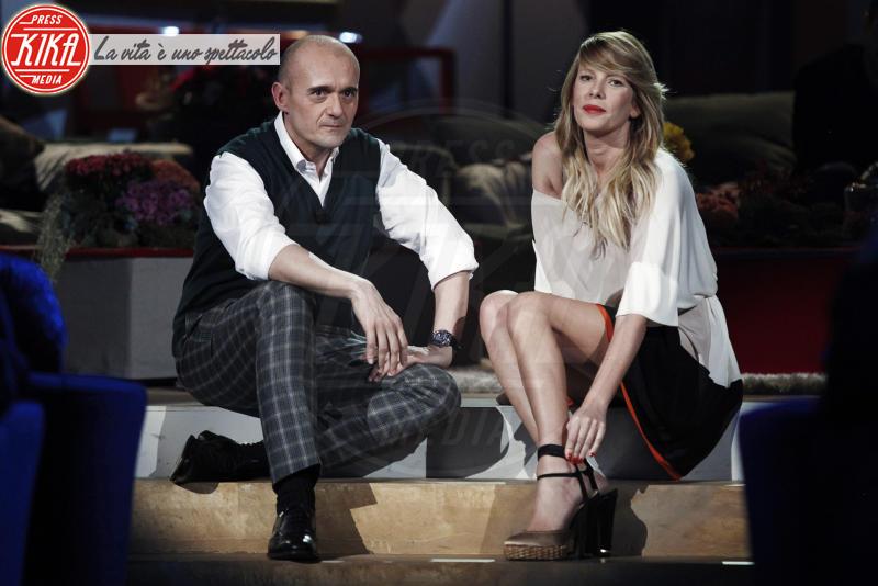 Alfonso Signorini, Alessia Marcuzzi - Milano - 29-12-2010 - Isola dei Famosi 10: ecco i naufraghi di Marcuzzi e Signorini