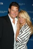 Laurence Hallier, Pamela Anderson - Las Vegas - 21-04-2006 - Pamela Anderson chiede 1 milione di dollari all'ex fidanzato