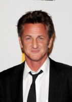 Sean Penn - Beverly Hills - 25-10-2010 - Solo amicizia e beneficenza tra Sean Penn e Scarlett Johansson