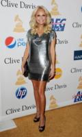 Kristin Chenoweth - Beverly Hills - 12-02-2011 - Kristin Chenoweth non ha ancora trovato l'uomo giusto, il suo amore è Maddie il maltese
