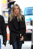 Jennifer Aniston - New York - 18-11-2010 - Jennifer Aniston favorevole alla chirurgia estetica, ma senza oltrepassare il limite
