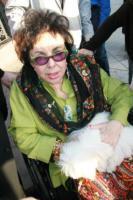 Elizabeth Taylor - Los Angeles - 13-02-2011 - Elizabeth Taylor ricoverata per insufficienza cardiaca