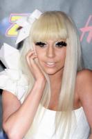 Lady Gaga - Los Angeles - 15-02-2011 - Lady Gaga madrina del piccolo Zachary, figlio di Elton John?