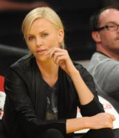 Charlize Theron - Los Angeles - 21-11-2010 - Anche Guy Pearce nel cast di Prometheus