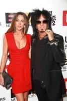 Nikki Sixx - West Hollywood - 13-02-2011 - Nikki Sixx attacca Kim Kardashian per insensibilità