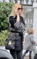 Claudia Schiffer - Londra - 15-02-2011 - A San Valentino, vèstiti di cuori e di baci!