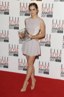 Emma Watson - Londra - 14-02-2011 - Emma Watson mette in pausa l'universita' per la carriera