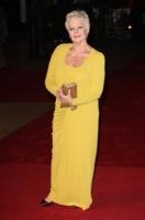 """Judi Dench - Londra - 03-12-2009 - Judi Dench ridimensiona il suo problema agli occhi """"Non voglio che venga esagerato"""""""