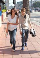 Selena Gomez, Justin Bieber - Los Angeles - 06-02-2011 - Justin Bieber contro l'aborto e a favore delle cure mediche gratuite
