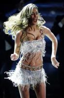 Belen Rodriguez - Sanremo - 17-02-2011 - Il Festival di Sanremo rende omaggio ai 150 anni dell'Unità d'Italia