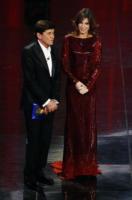 Gianni Morandi, Elisabetta Canalis - Sanremo - 17-02-2011 - Il Festival di Sanremo rende omaggio ai 150 anni dell'Unità d'Italia
