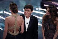 Gianni Morandi, Belen Rodriguez, Elisabetta Canalis - Sanremo - 17-02-2011 - Il Festival di Sanremo rende omaggio ai 150 anni dell'Unità d'Italia