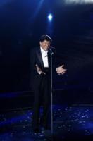 Gianni Morandi - Sanremo - 17-02-2011 - Il Festival di Sanremo rende omaggio ai 150 anni dell'Unità d'Italia