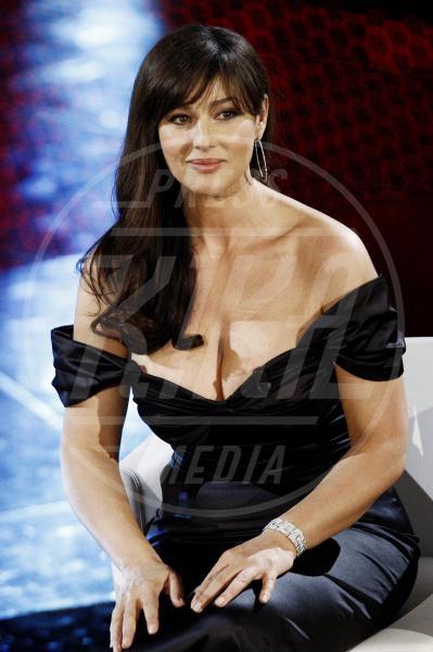 """Monica Bellucci - Sanremo - 20-02-2011 - """"A 40 anni non sei più sexy!"""" Sicura, Miley Cyrus?"""