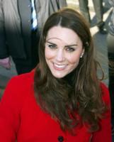 Kate Middleton - 25-02-2011 - Kate Middleton è la signora in rosso… di nuovo!