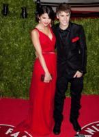 Selena Gomez, Justin Bieber - usa - 27-02-2011 - Selena Gomez e Justin Bieber adottano un cane