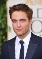 """Robert Pattinson - Los Angeles - 16-01-2011 - Robert Pattinson parla di Kristen Stewart e della """"pressione dei media"""""""