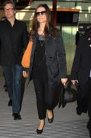 Livia Giuggioli, Colin Firth - Londra - 02-03-2011 - Livia Giuggioli, moglie di Colin Firth, ha indossato un abito in plastica riciclata ai Golden Globe