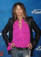 Steven Tyler - Los Angeles - 03-03-2011 - Steven Tyler cameriere a New York, ma solo per un'ora