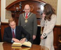 Pat Convery, William Windsor, Kate Middleton - Belfast - 08-03-2011 - Viaggio di nozze in Australia per il principe William