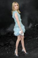 Emma Roberts - Parigi - 08-03-2011 - Emma Roberts ama la pole dancing e da' consigli sulla linea