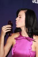 Katy Perry - Londra - 12-11-2010 - Katy Perry testimonial anche di prodotti per i capelli