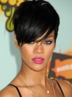 Rihanna - Los Angeles - 16-08-2010 - Rihanna lancia il nuovo singolo scelto dai fan su Twitter
